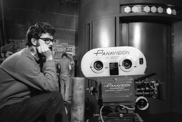 George Lucas, director, and his camera. Get the best social media analytics from Crowdbabble, google analytics social media.